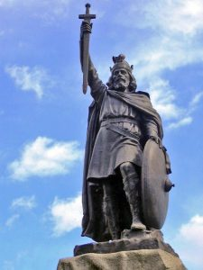 Image of Alfred the Great statue.